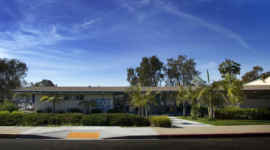 Modular classroom - Robotics Lab Classroom project for San Diego French American School